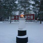 Majakka valaisee talvellakin.